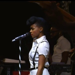 Janelle-Monae-Strikes-A-Pose-Performing-For-Rebecca-Minkoff's-Spring-Collection-YouTube-Official-Video