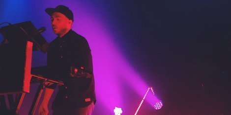 chvrches-live-terminal-5-9-22-2013-zumic-concert-review-2