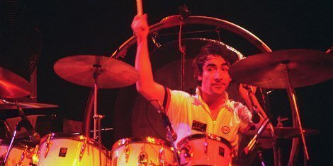 keith-moon-drumming