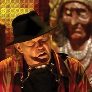 neil-young-farm-aid-2013-youtube-video-full-set