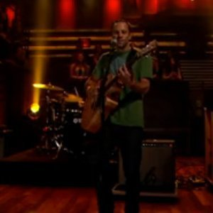 "image for article ""Radiate"" - Jack Johnson [Fallon Live Performance]"