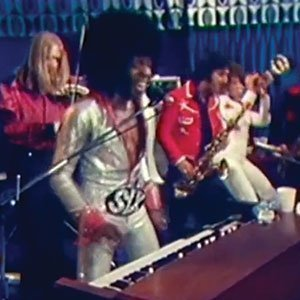 sly-and-the-family-stone-1973-i-wanna-take-you-higher-video