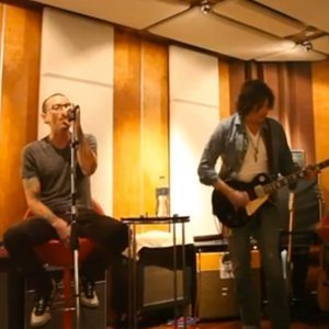 stone-temple-pilots-release-video-for-high-rise-with-chester-bennington