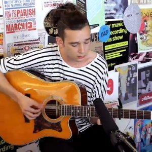 "image for article ""Tiny Desk Concert"" - Matthew Healy (of The 1975) [NPR Video & Free Download]"