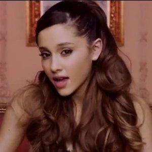 Ariana-Grande-Right-There-Video