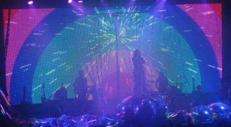FlamingLips-Terminal5-rainbow2-2013