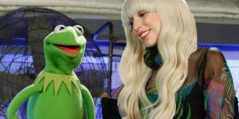 Lady-Gaga-the-muppets-holiday-special-abc