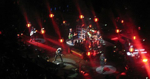 Pearl-Jam-Barclays-Center-band-stage-Lightning-Bolt-Tour-Brooklyn-2013