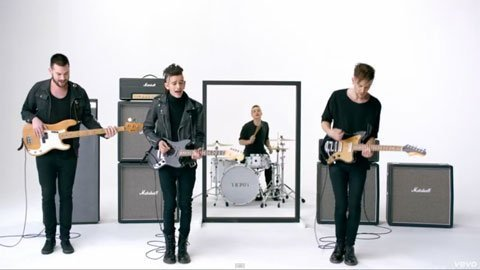 the-1975-girls-music-video-band
