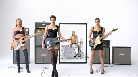 the-1975-girls-music-video-sexy-band