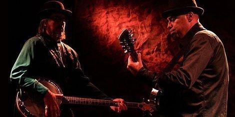 wynonas-big-brown-beaver-duo-de-twang-soundcloud-official-stream-2