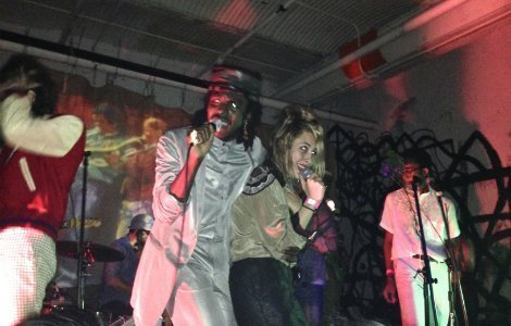blood-orange-samantha-urbani-285-kent-record-release-party