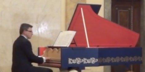 da-vinci-instrument-viola-organista-piano