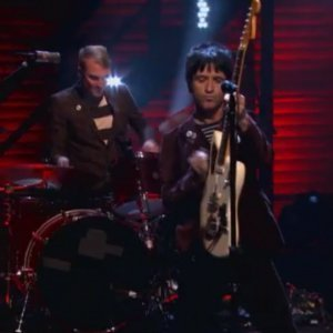 johnny-marr-the-right-thing-right-conan-live