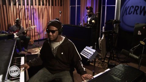 image for article Robert Glasper Experiment Full Set & Interview on KCRW's Morning Becomes Eclectic [NPR Video]