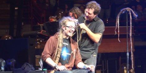 pearl-jam-eddie-vedder-shaves-fans-dreadlocks-onstage-spokane