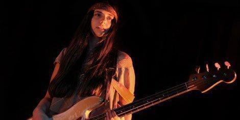 pixies-new-bass-player-paz-lenchantin-bassist