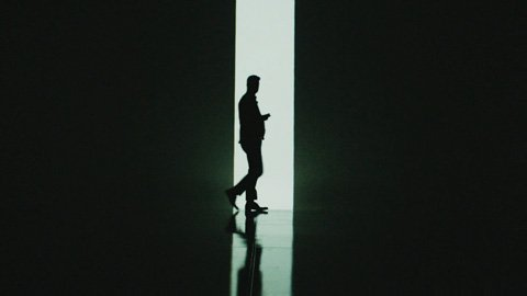 robin-thicke-feel-good-silhouette