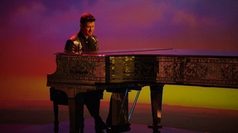robin-thicke-feel-good-video-piano