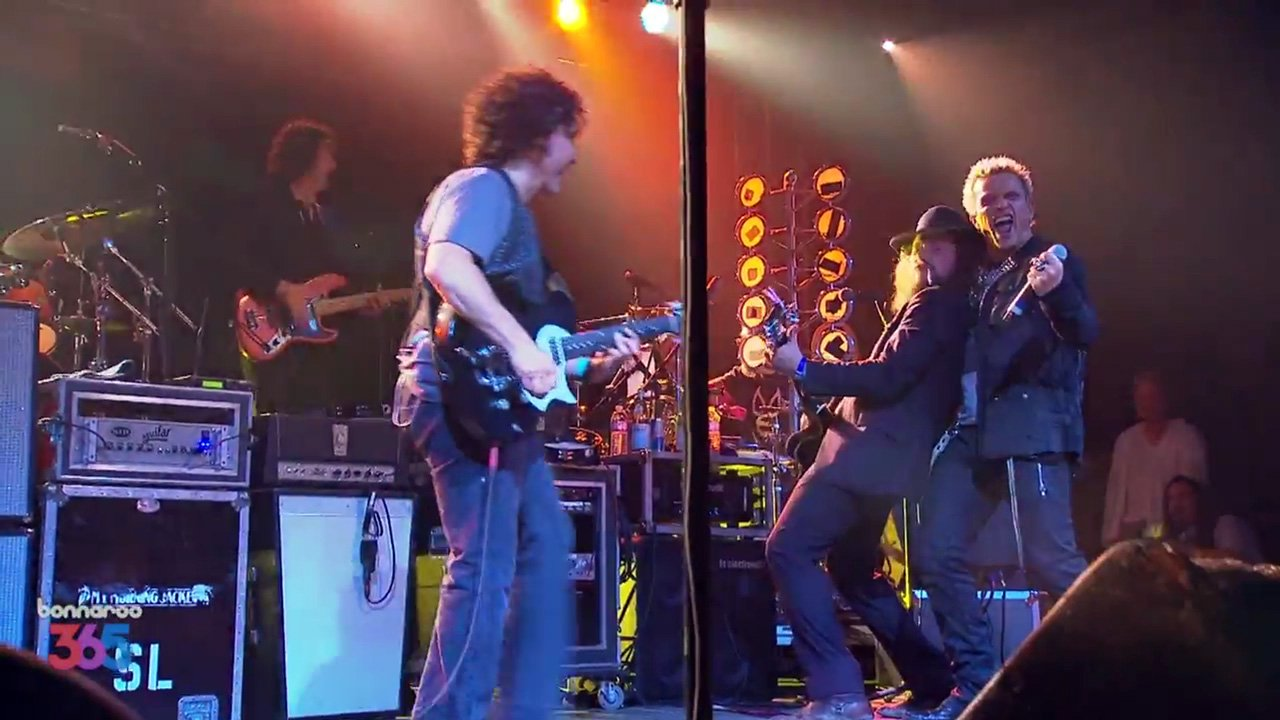 "image for article ""Bang A Gong (Get It On)"" - 2013 Bonnaroo Superjam ft Billy Idol [YouTube Official Video]"