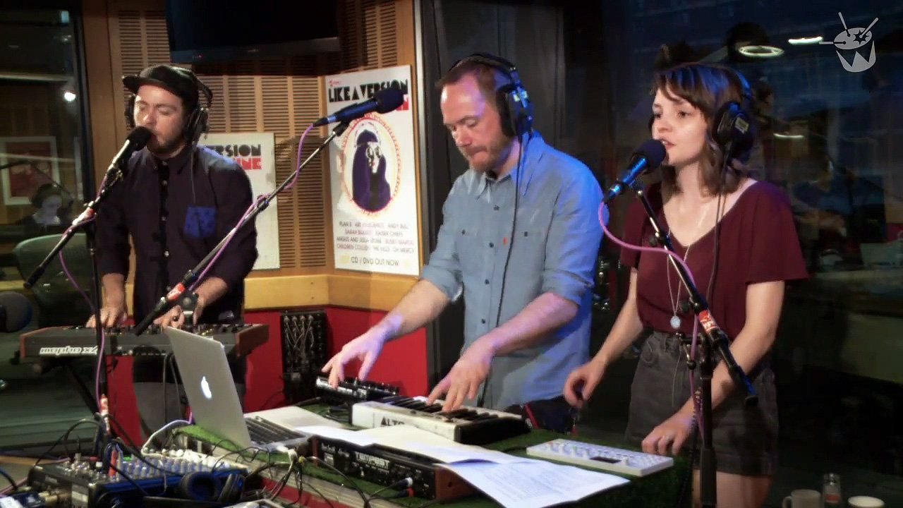 chvrches-arctic-monkeys-cover-do-i-wanna-know-youtube-video-triple-j-2014