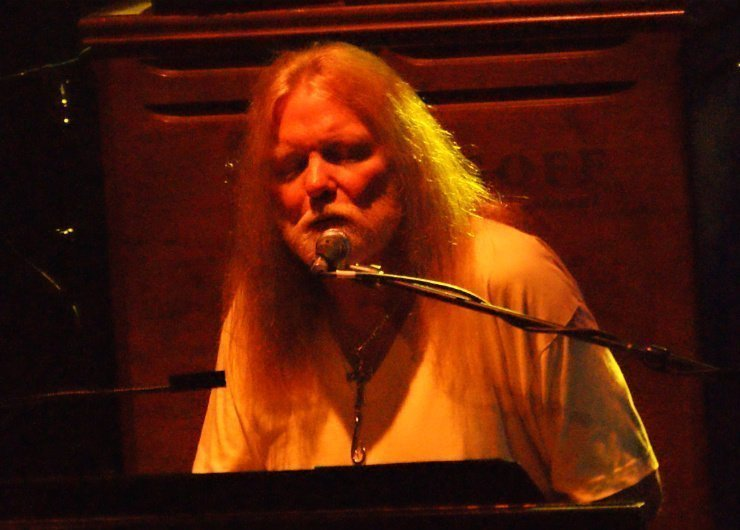 Gregg_Allman_at_the_Beacon_Theatre-2009