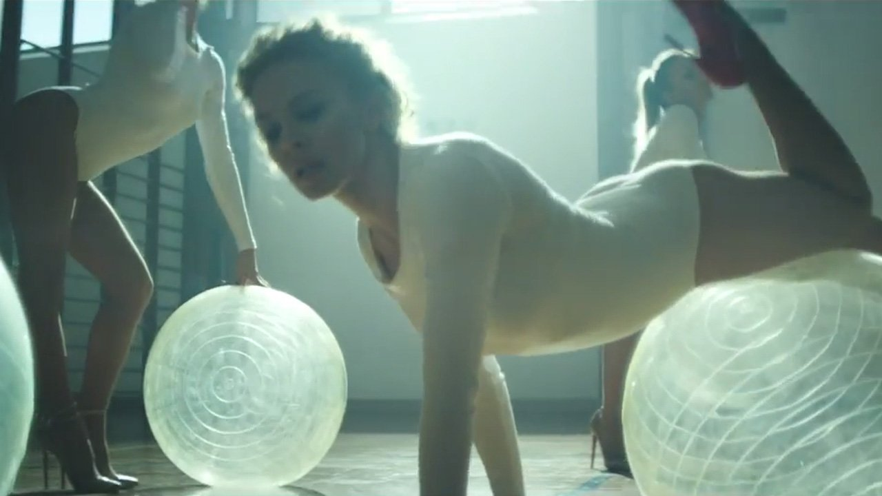 kylie-minogue-sexercise-youtube-music-video