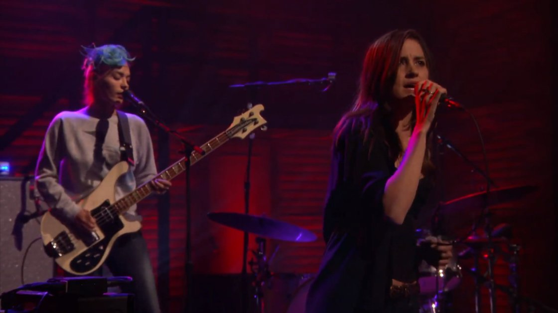 love-is-to-die-warpaint-live-on-conan-3-10-2014