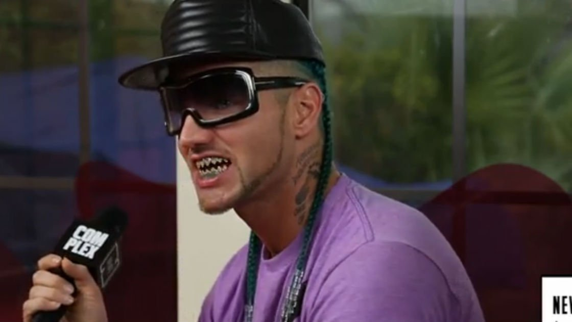 riff-raff-shark-teeth