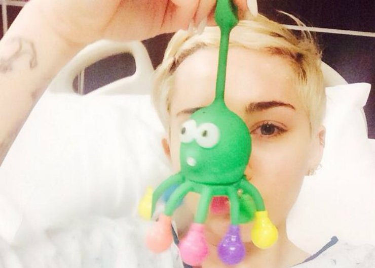 miley-cyrus-hospitalized-2014