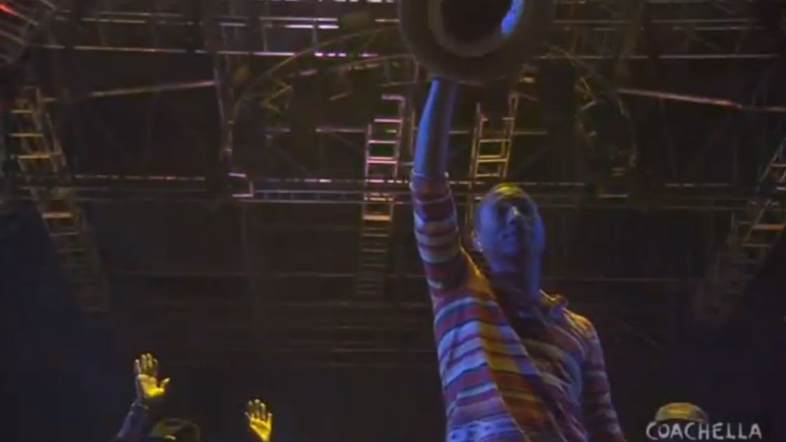 image for article Pharrell - Full Set at Coachella Festival 4.12.2014 [YouTube Video]