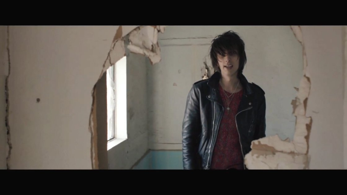 "image for article ""So Now You Know"" - The Horrors [YouTube Official Music Video]"
