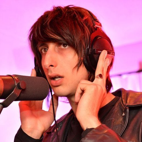 "image for article The Horrors Cover Frankie Knuckles' ""Your Love"" During BBC Session [Audio]"