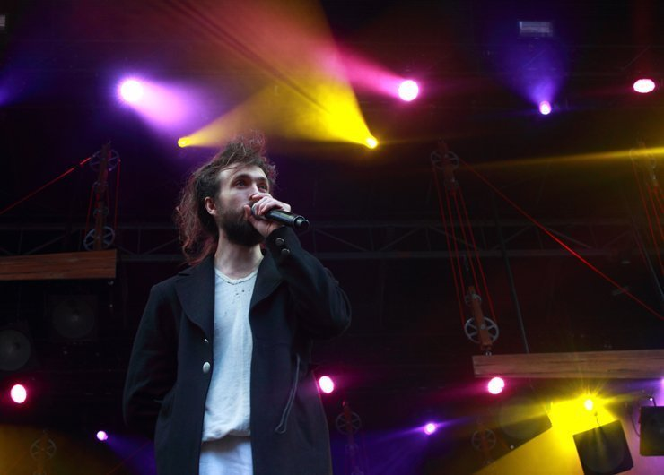 Boston-Calling-May-2014-Edward-Sharpe-and-the-Magnetic-Zeros