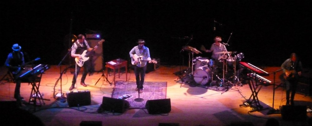 Ray-LaMontagne-band-Town-Hall-NYC