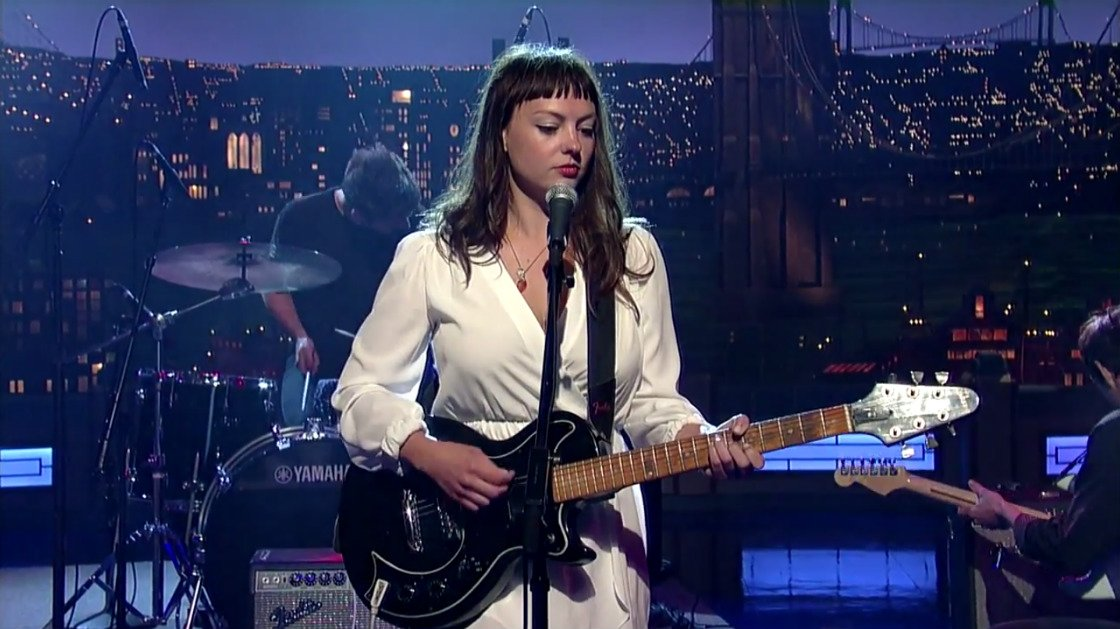 "image for article ""Hi-Five"" - Angel Olsen Live on David Letterman 6.16.2014 [YouTube Video]"