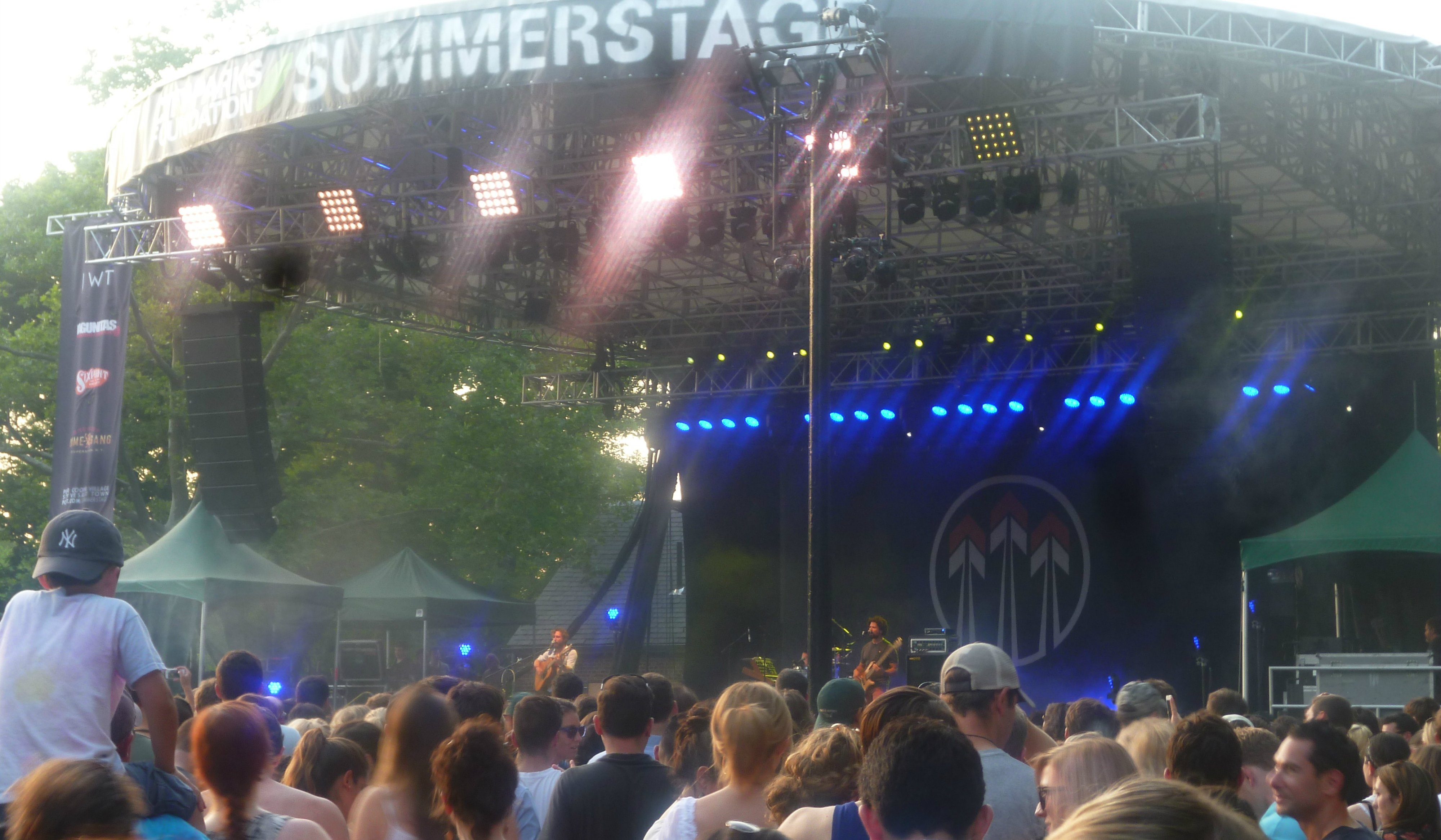 John-Butler-Trio-Central-Park-2014-band-stage-crowd
