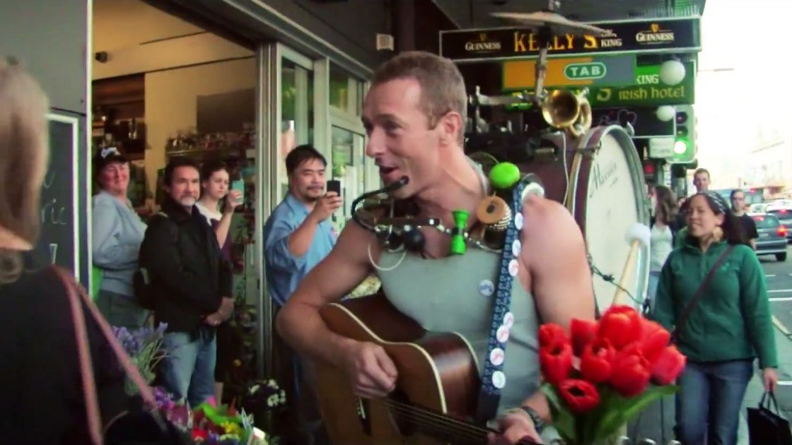chris-martin-coldplay-a-sky-full-of-stars-official-music-video