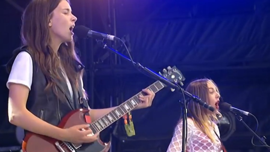"image for article ""Don't Save Me"" - Haim Live at Glastonbury 6.27.2014 [YouTube Video]"