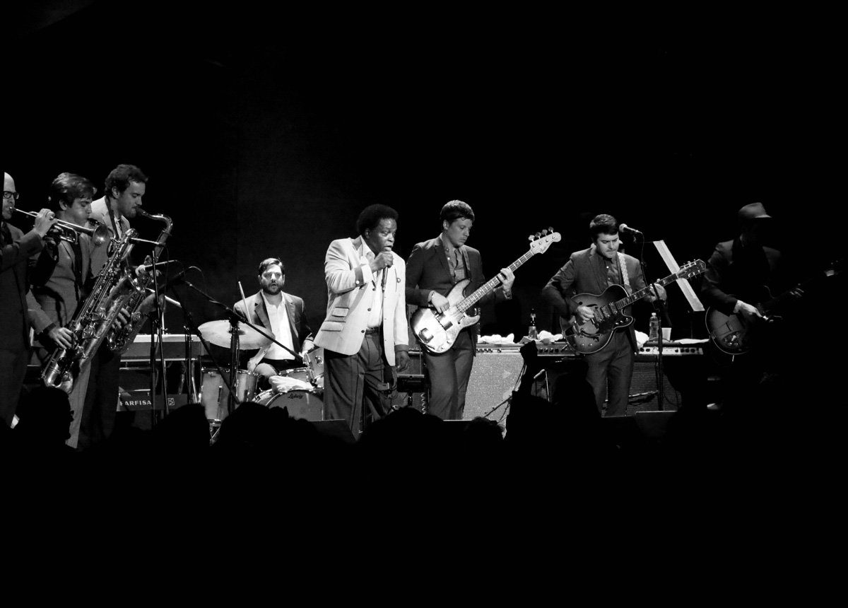 lee-fields-expressions-bowery-ballroom-2014-bw-1