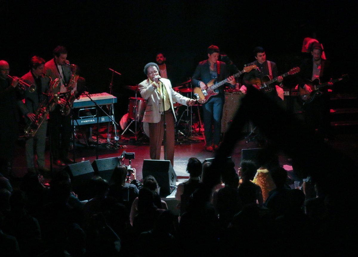 lee-fields-expressions-bowery-ballroom-2014-color
