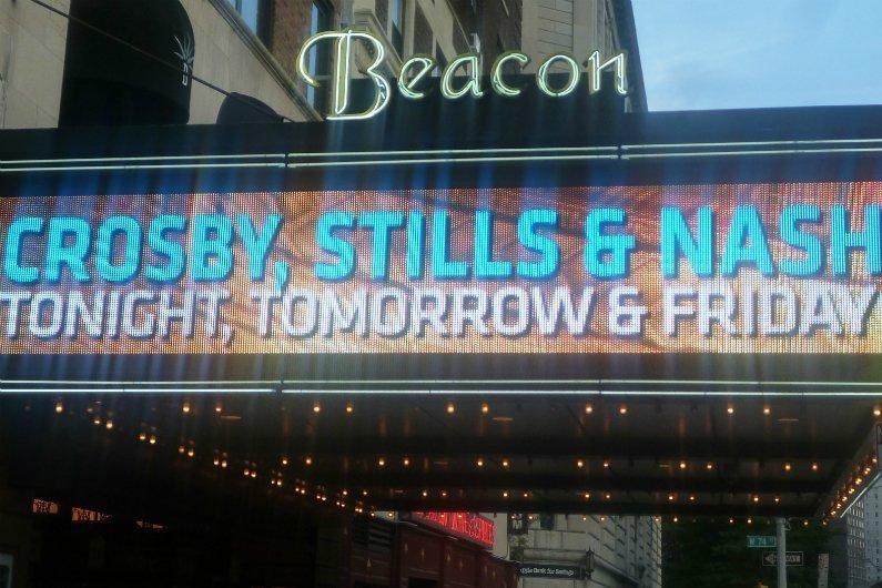 image for article Crosby, Stills, & Nash at Beacon Theatre, NYC 7.8.2014 [Zumic Review + Photos + Setlist]