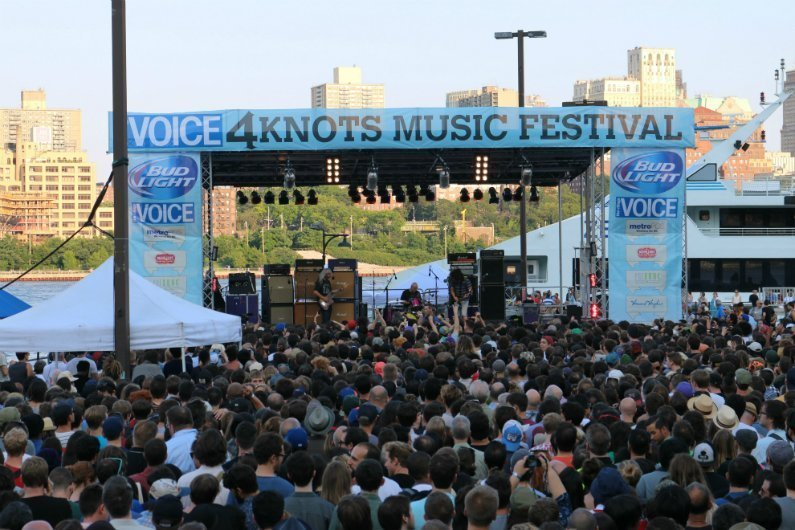 Dinosaur-Jr-crowd-stage-4-Knots-Music-Festival-NYC-2014