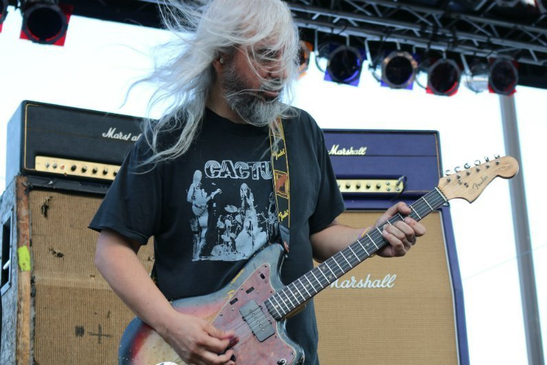 J-Mascis-Dinosaur-Jr-guitar-4-Knots-Music-Festival-NYC-2014
