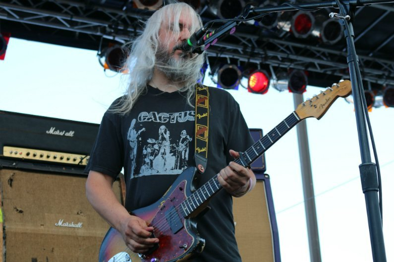 J-Mascis-singing-playing-Cactus-t-shirt-4-Knots-Music-Festival-NYC-2014