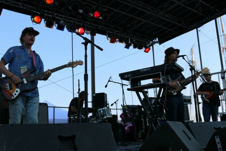 Mac-DeMarco-band-4-Knots-Music-Festival-NYC-2014