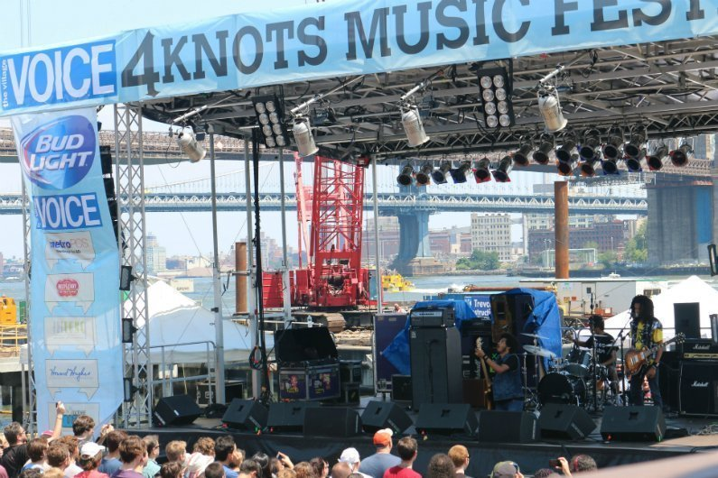 Radkey-band-crowd-4-Knots-Music-Festival-NYC-2014