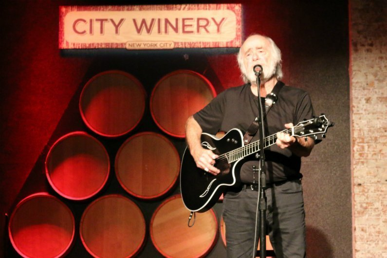 Robert-Hunter-City-Winery-NYC-2014-acoustic-guitar-singing