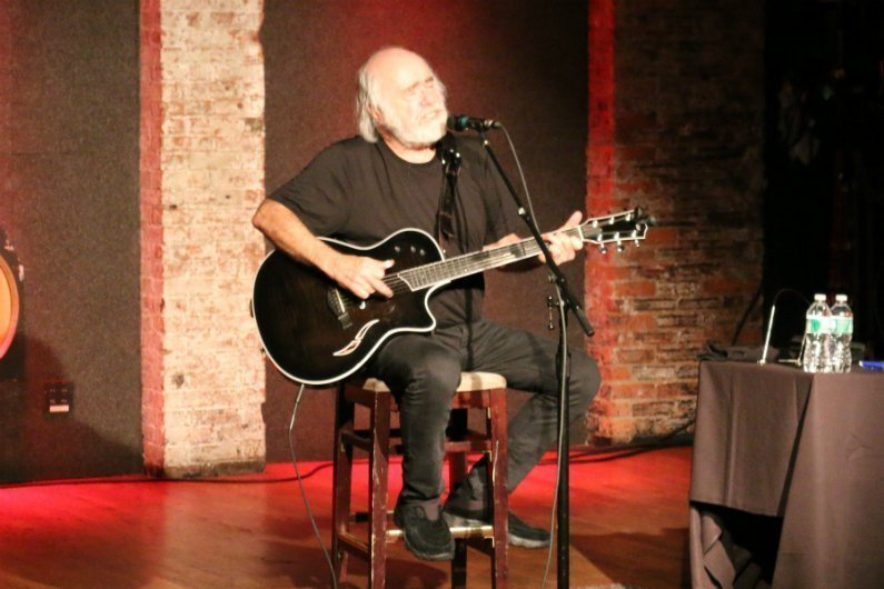Robert-Hunter-City-Winery-NYC-2014-sitting-singing-acoustic-guitar