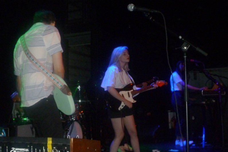 alvvays-band-playing-rough-trade-brooklyn-ny-2014